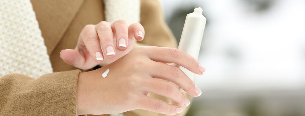 manos secas y agrietadas